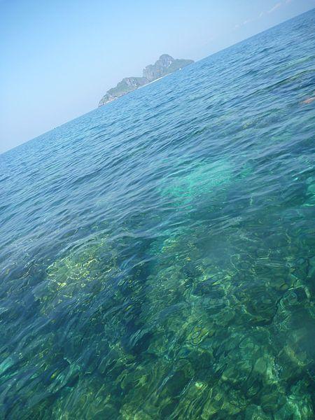 File:Phi Phi Island Tour (4297151104).jpg