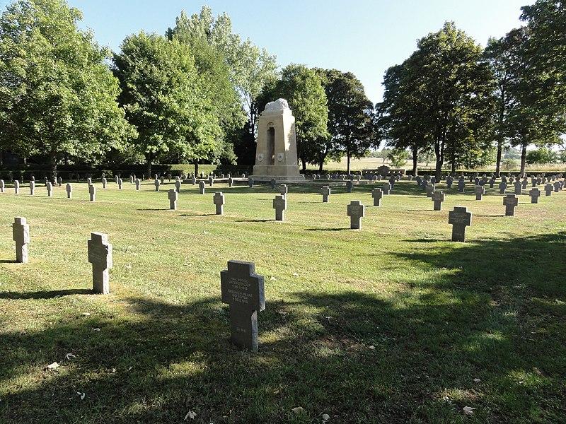 Pierrepont (Meurthe-et-M.) cimetière militaire allemand