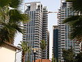 PikiWiki Israel 42625 skyscrapers in sharona neighborhoods background.JPG