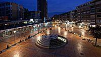 Pirot - Crveni trg nocu.jpg