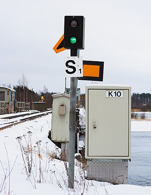 Finnish railway signalling - A bridge signal showing the Proceed aspect