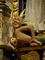Ploubezre (22) Chapelle de Kerfons Maître-autel 06.JPG