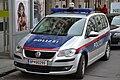 Polizei VW-Touran 03.jpg