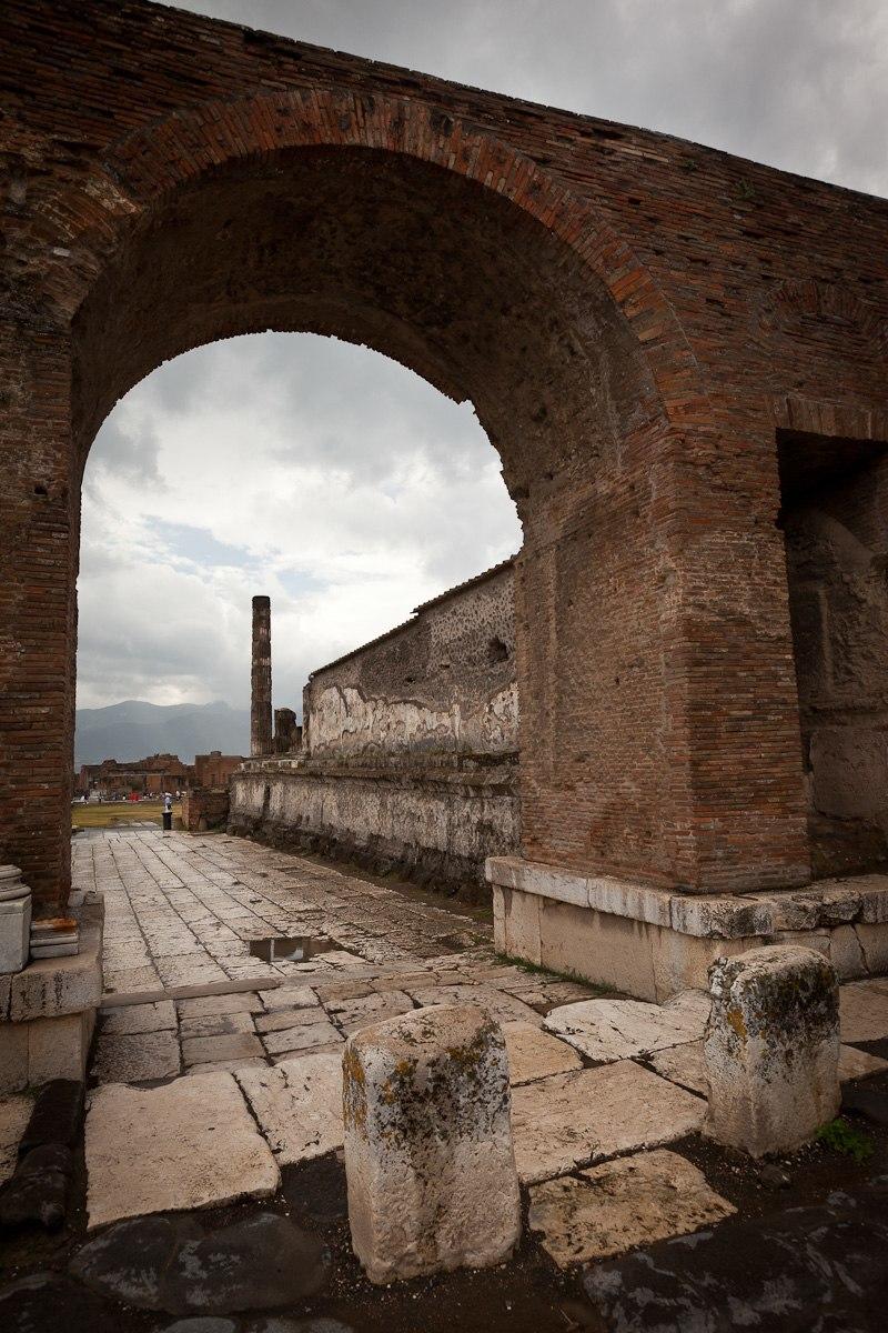 Pompeii Market (4724888221)