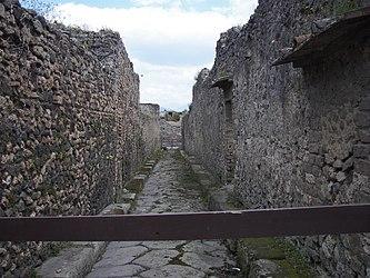 Pompeii street08 14.jpg
