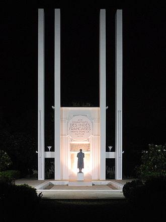 Promenade Beach - Image: Pondicherry French War Memorial