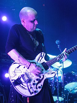 Porl Thompson, The Cure, in Sweden 2007.jpg