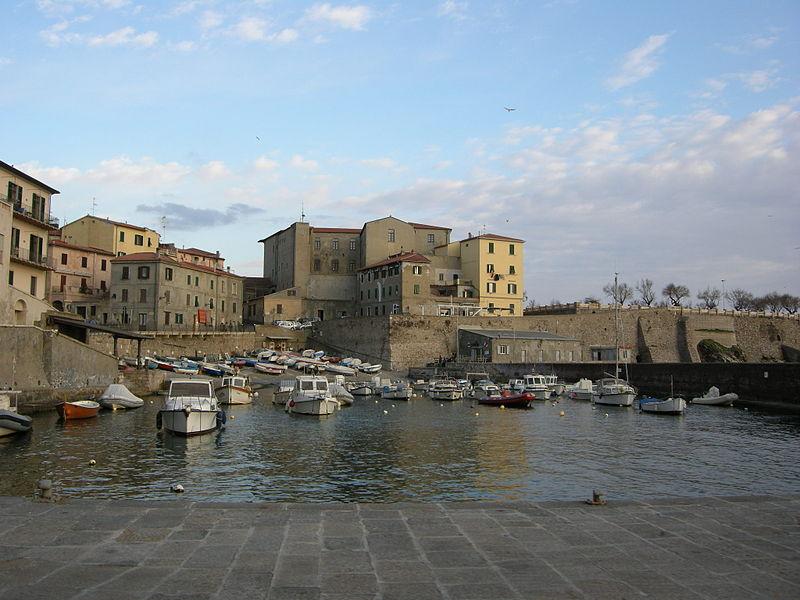 File:Porto Antico di Piombino 01.JPG