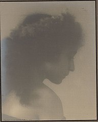 Portrait of young Italian-Hawaiian woman (profile) 1909.jpg