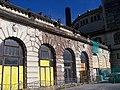 Praha hlavní nádraží, Fantova budova, z Wilsonovy, komín (01).jpg