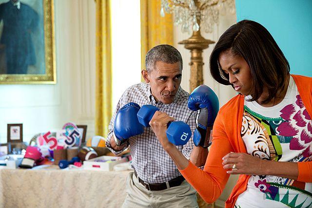 Instagram Vypadek Wikipedia: File:President Barack Obama And Michelle Obama Pose For