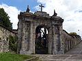 Puerta del antiguo cementerio de Begoña.jpg