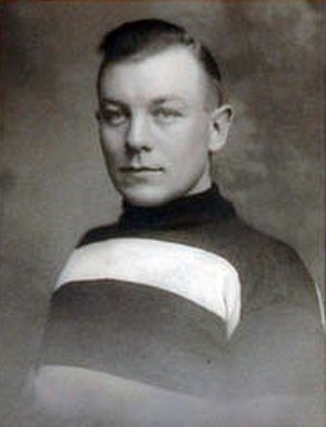 Punch Broadbent - Image: Punch Broadbent Hockey Player
