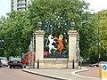 Queen Elizabeth Gate, Hyde Park - geograph.org.uk - 14792.jpg