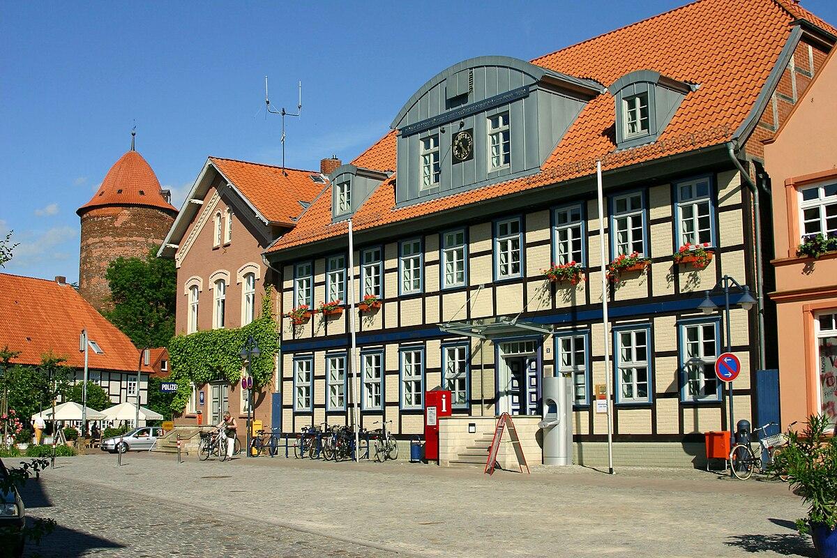 Rathaus Dannenberg.jpg