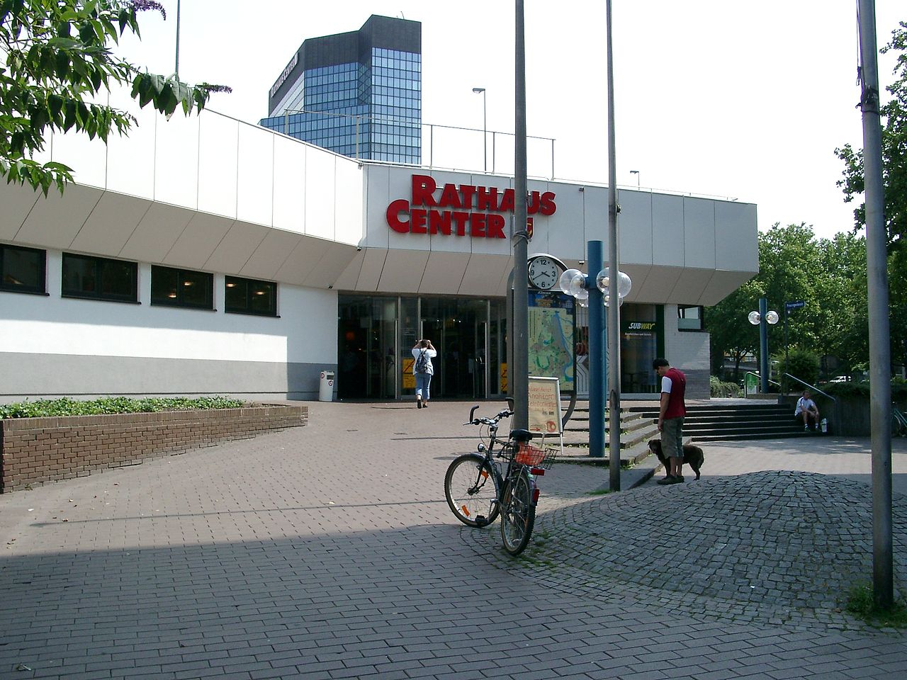 Rathauscenter Ludwigshafen Hintereingang.jpg