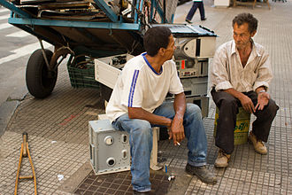 Electronic waste by country - Scavengers in São Paulo, Brazil with e-waste in the form of computers