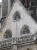 Reuleaux triangle shaped windows of Sint-Baafskathedraal, Ghent 1.jpg