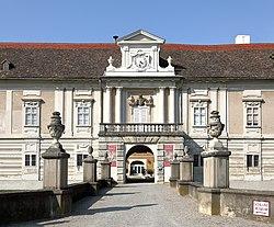 Rohrau - Schloss Harrach (1).JPG