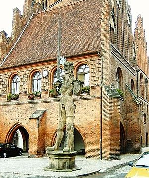 Stendal - The Roland statue in front of the Town Hall