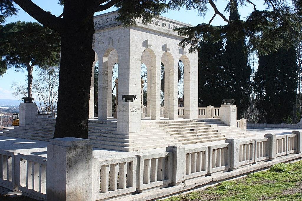 Monuments aux morts sur la colline du Janicule à Rome par Jacobucci (1941)