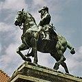 Ruiterstandbeeld van Willem III, linkerzijde - Breda - 20362406 - RCE.jpg