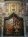 Saint-Bertrand-de-Comminges cathédrale tombeau St Bertrand autel.JPG