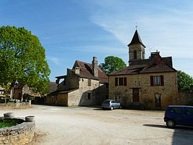 Saint-Germain-de-Belvès place du village (1).JPG