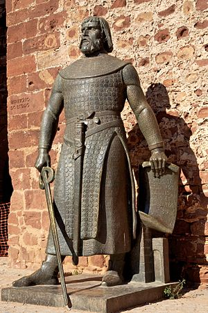 Castle of Silves - A statute of Sancho I of Portugal whose forces, supported by an even stronger Crusader army, conquered the citadel of Silves in 1189