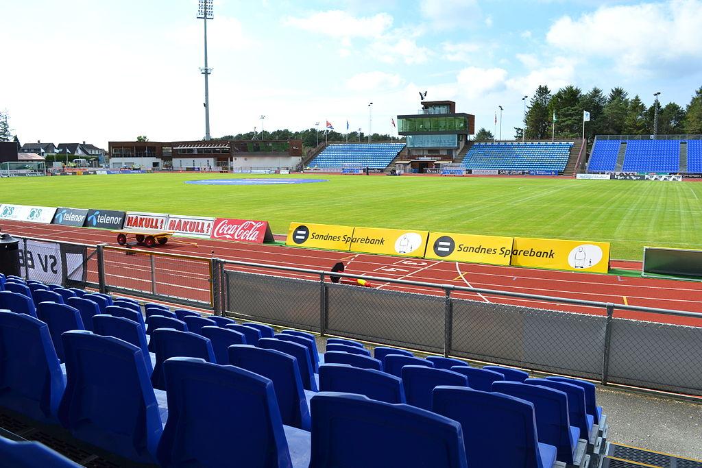 https://upload.wikimedia.org/wikipedia/commons/thumb/a/ac/Sandnes-stadion.JPG/1024px-Sandnes-stadion.JPG