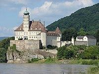 Schloss Schoenbuehel 001.jpg