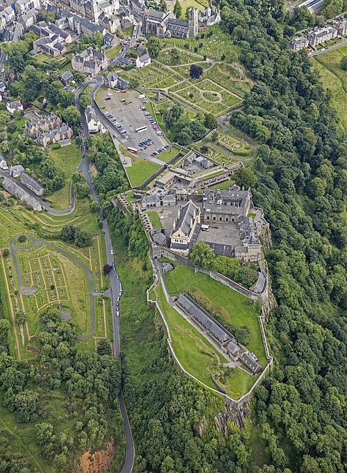 3960e9fc8 Aerial view of Stirling Castle