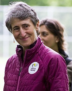 Secretary Jewell and the Northwest Youth Corps (8818705428).jpg