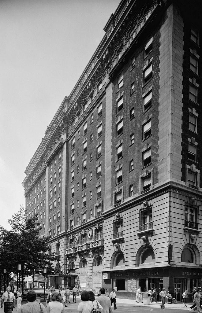 Seelbach Hotel - File:Seelbach Hotel.jpg - Wikimedia Commons