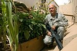 Soldier, civilian united by green thumbs DVIDS188798.jpg