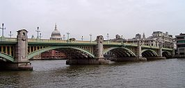 Southwark Bridge en St Paul's Cathedral