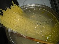 Cooking spaghetti. Photo by Eloquence.