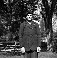Stanko Renko, Male Loče 3, v koretu in kapi, kupleni l. 1909 v Trstu 1955.jpg