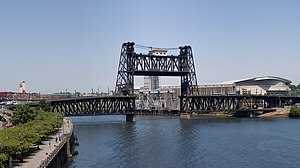 The Steel Bridge in Portland, Oregon while ful...