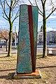 Stele der Umarmung (Freiburg Lehen) jm88049.jpg