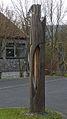 Stele vor der Schule.jpg