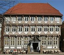 Stiftsherrenhaus Hameln.jpg