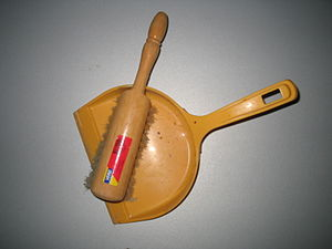 Dustpan - Dustpan and duster
