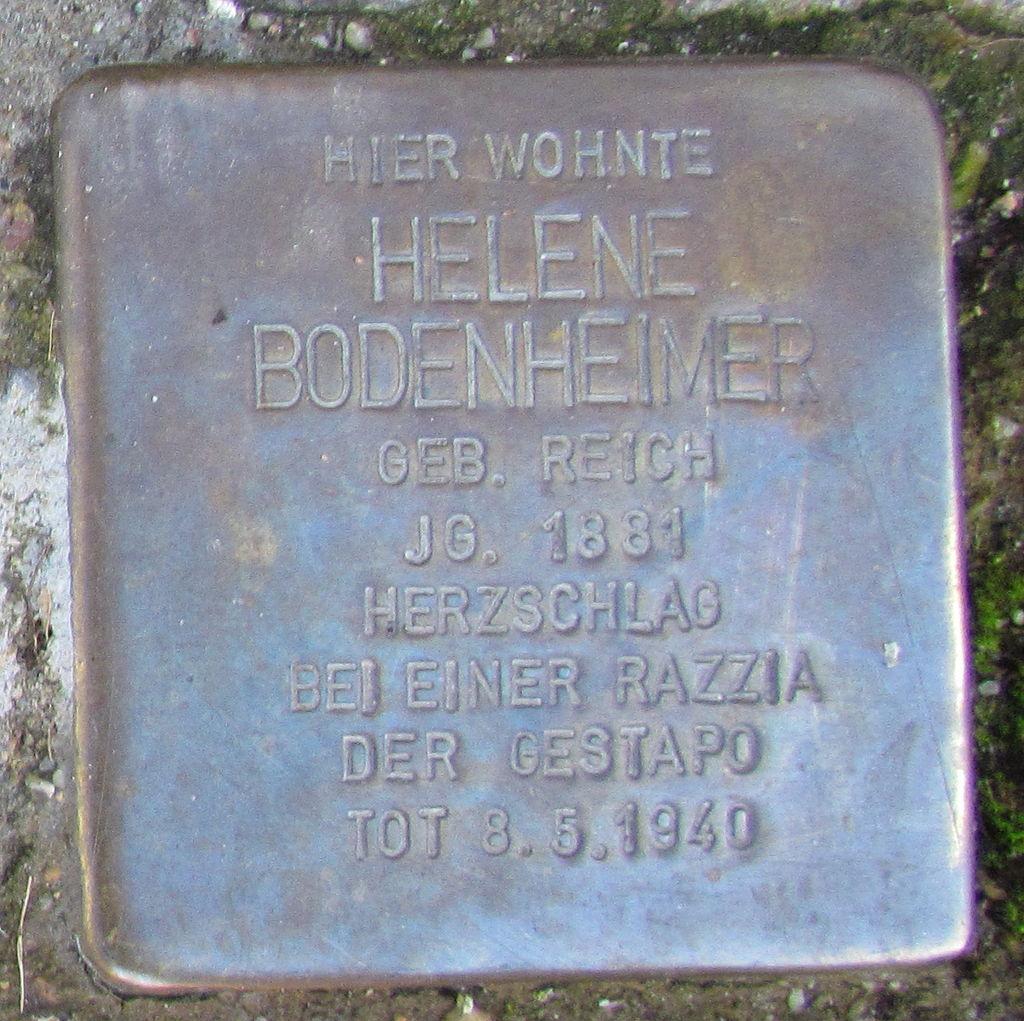 Stolpersteine in Ettlingen Helene Bodenheimer Pforzheimer Str 10 (fcm).jpg