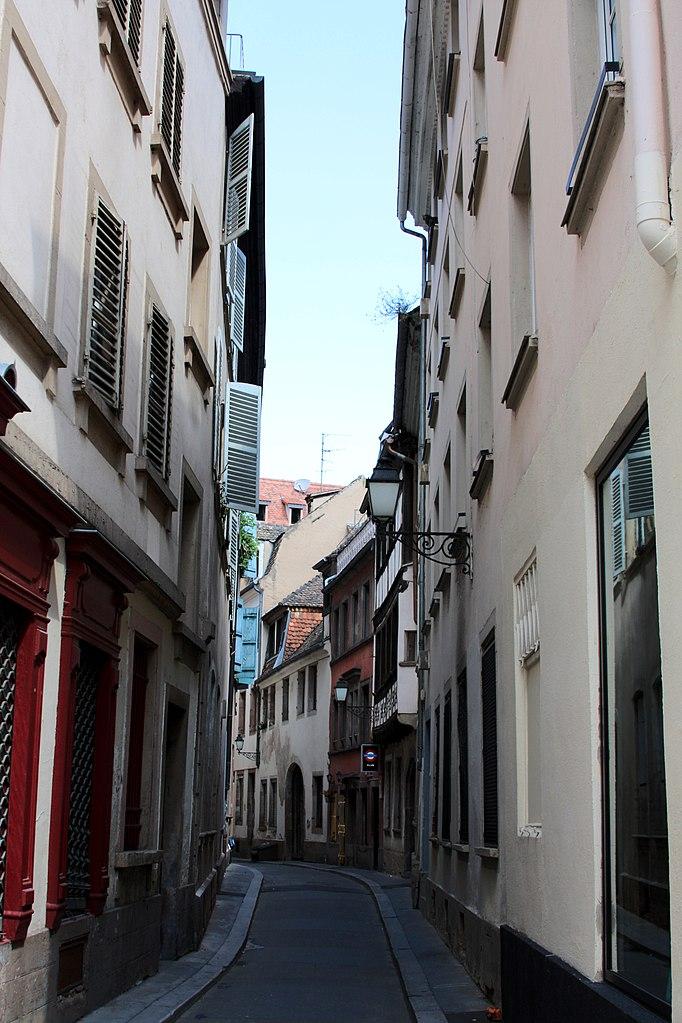 File strasbourg rue du tonnelet wikimedia commons for Rue du miroir strasbourg