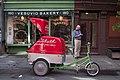 Street life New York 2012 (7145187857).jpg