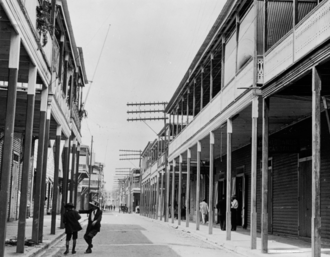 Colón, Panama - Image: Street scene, Colón, Panama, ca. 1910 1920