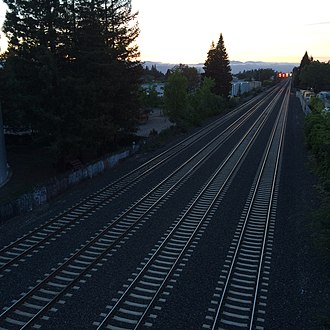 Caltrain Express - South overtake quad-track section south of Sunnyvale