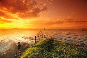 Lake Naivasha - Image: Sunset at Lake Naivasha