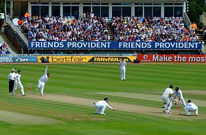Graeme Swann - Swann bowling during the third Test of the 2009 Ashes